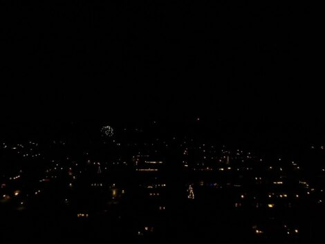 New-years-eve-fireworks-at-2100