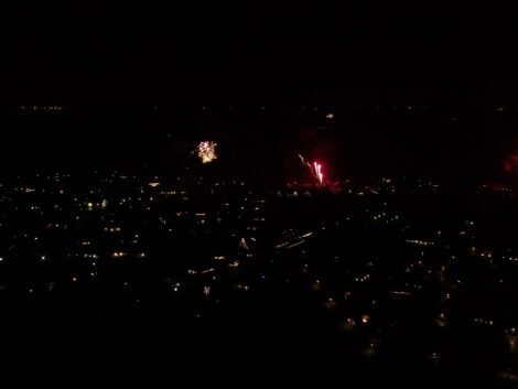 Shooting-fireworks-with-the-Mavic-2-Zoom-03