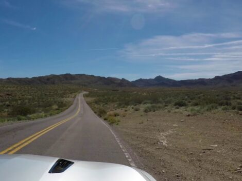 Valley-of-Fire-Bonus-Video-from-the-highway